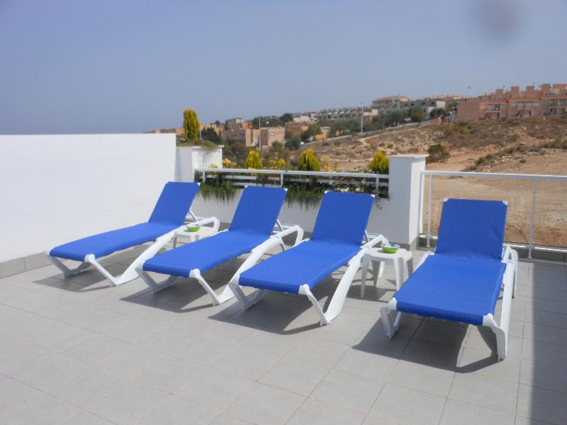 The solarium also has a sun lounger for each guest