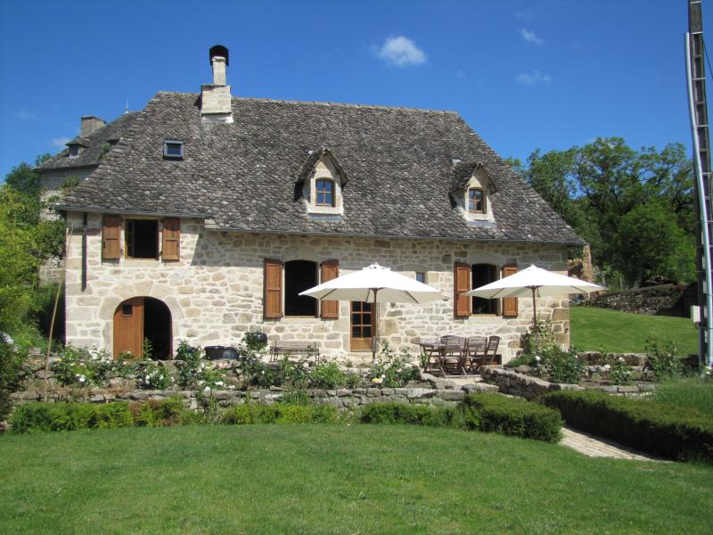 The Cottage in France: luxurious 17th cent. house, aluguéis de temporada em Correze