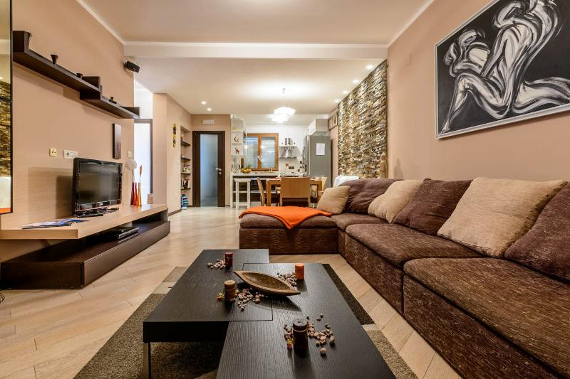 Luxury apartment M, holiday rental in Zaton