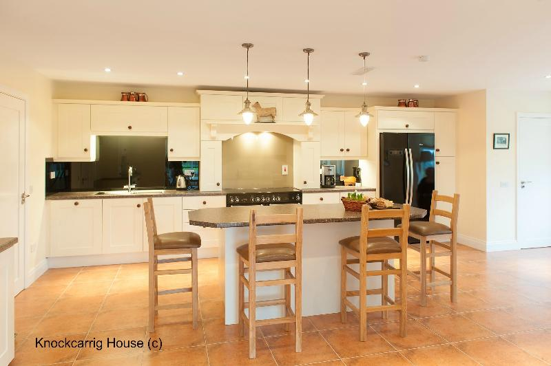 Cook up a storm in this spacious well equipped kitchen