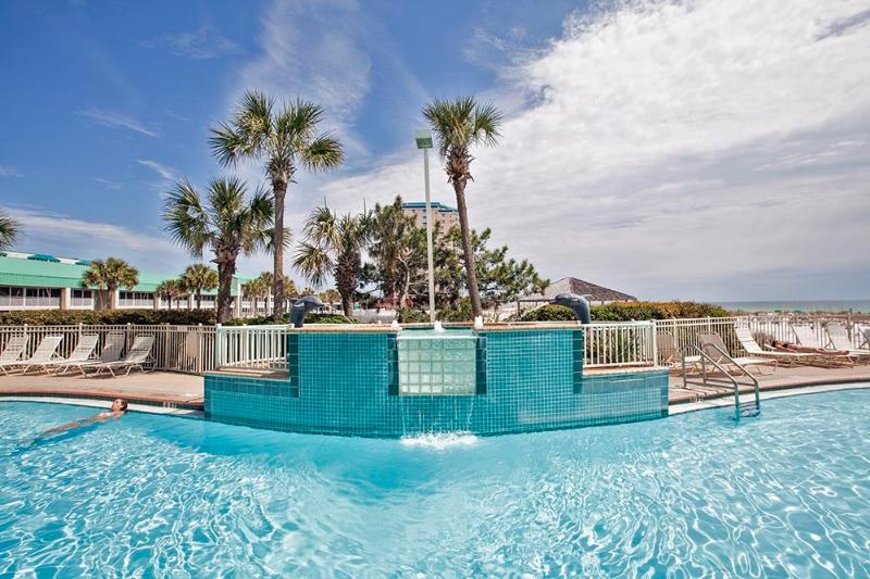 Sparkling Gulf View Pools