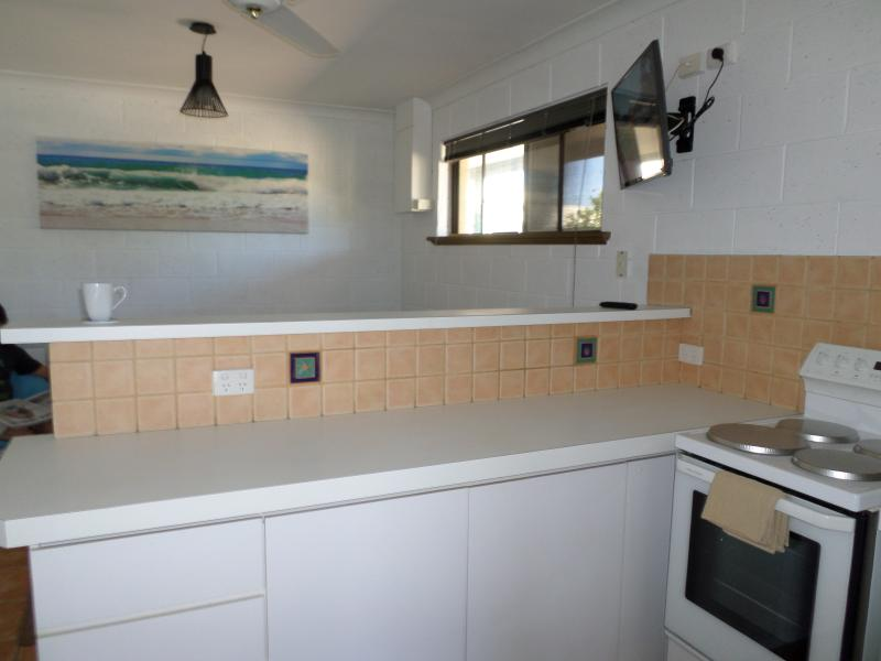 Kitchen to family / sitting room. All cookware, kitchenware and utensils provided