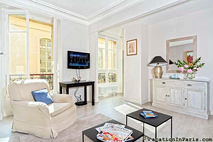 Le Saint Romain One Bedroom - ID# 302, vacation rental in Aubervilliers