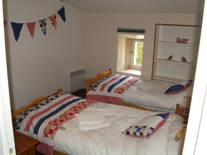 The twin bed room