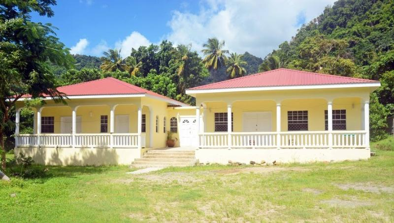The yellow Palm, Ferienwohnung in Soufrière