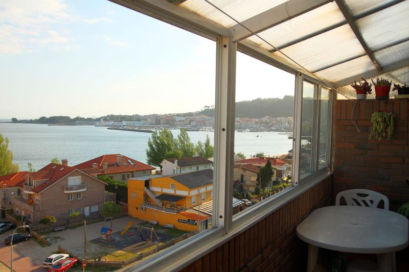 Views to the sea, near the beach and center city, aluguéis de temporada em Nerga