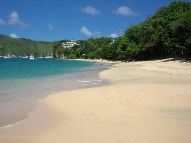 Just above this stunning beach - easy walking distance