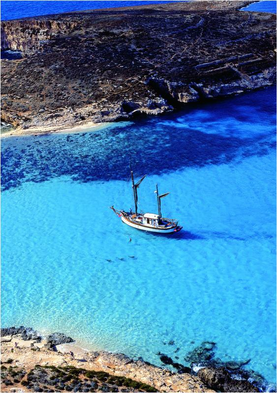 Blue Lagoon, Comino - daily cruise available to book!