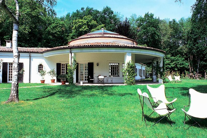 VILLA ADRIANA, holiday rental in Gattico