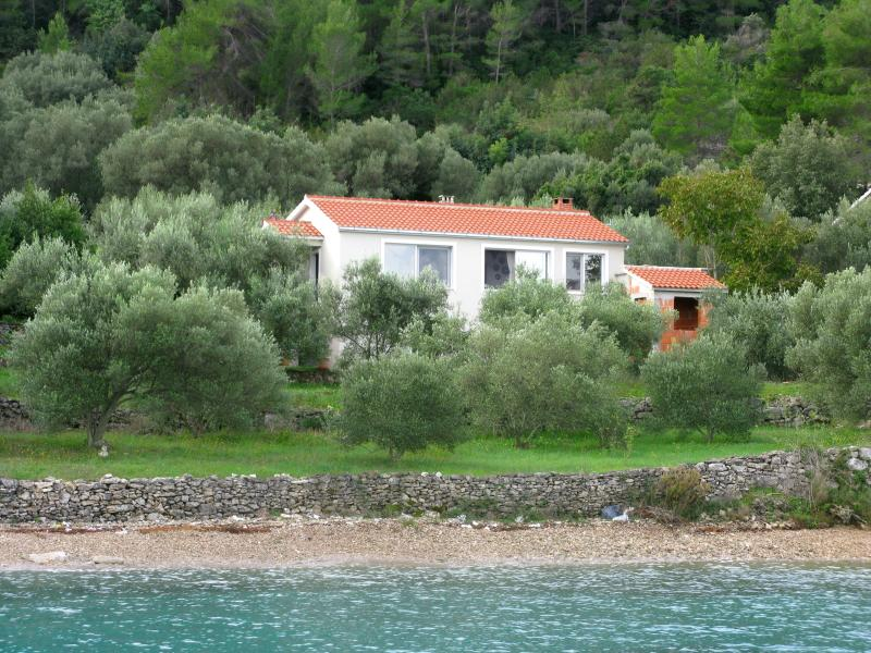 House on the beach, vacation rental in Vela Luka