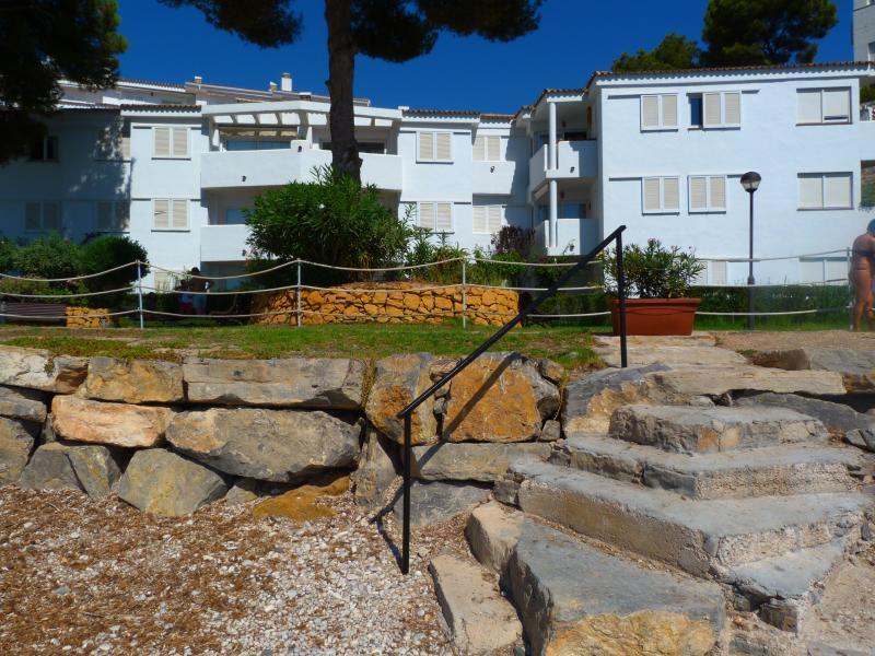 acceso playa y jardín