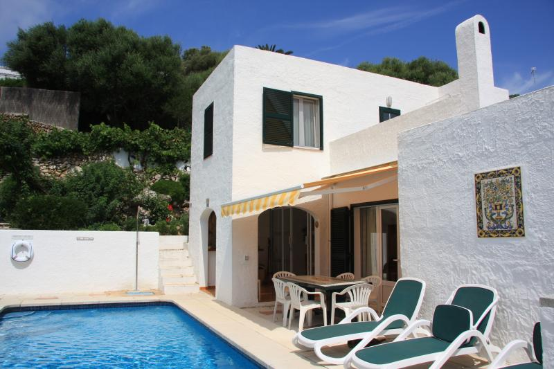 Binibeca, Villa Rosa, private pool, air con, sea view and near Binibeca Beach – semesterbostad i Menorca