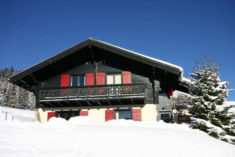Ski Chalet in Champoussin (CH), Portes du Soleil, holiday rental in Troistorrents