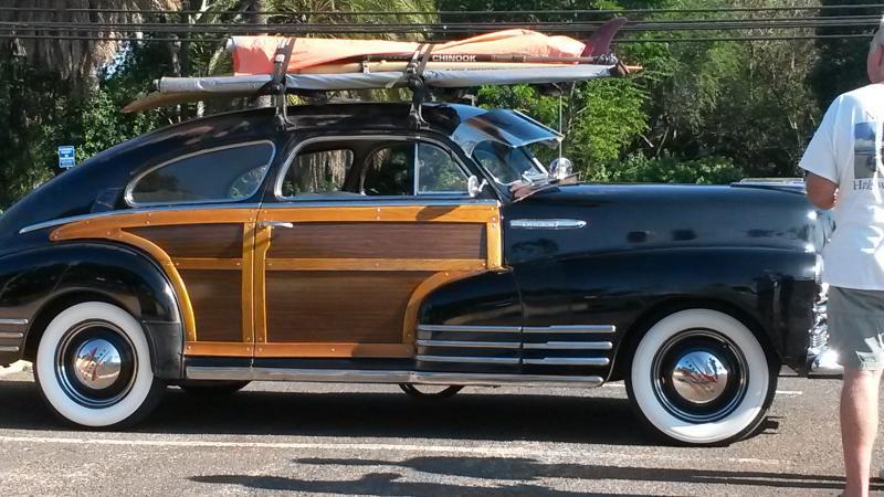 Woody es un auténtico practica surf en Haleiwa ciudad de surf.
