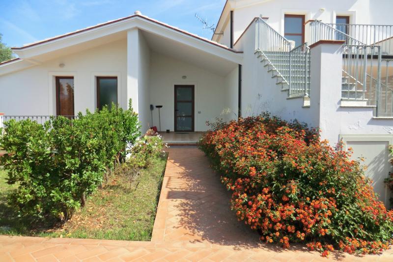 Appartamento al mare Bilocale 2 Giorgia, holiday rental in Bari Sardo
