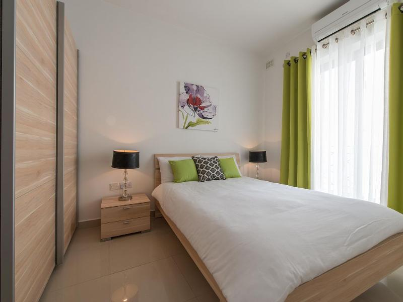2 quartos com cama de casal