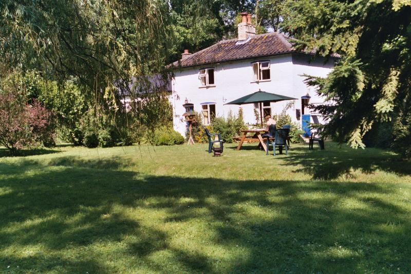 Gamekeepers Cottage, Southwold, Beccles, Bungay, Halesworth, Minsmere, Suffolk, holiday rental in Halesworth