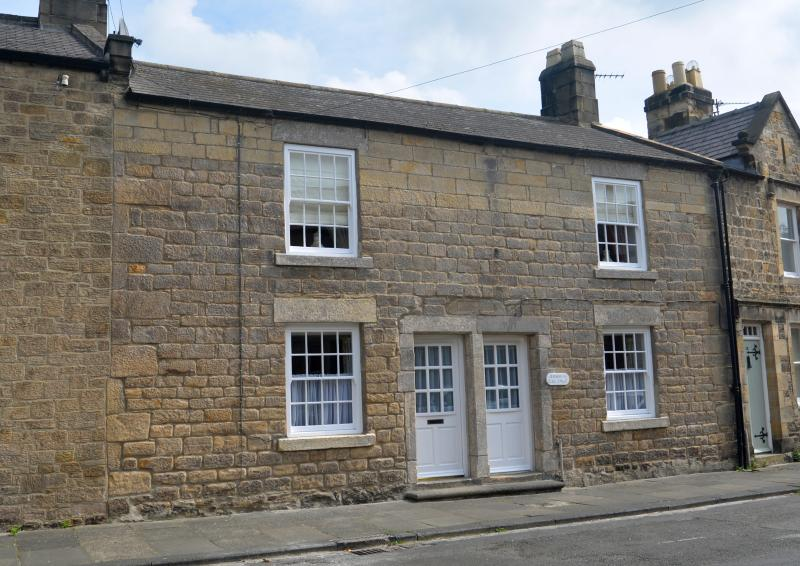 Large historic cottage in picturesque Corbridge, vacation rental in Corbridge