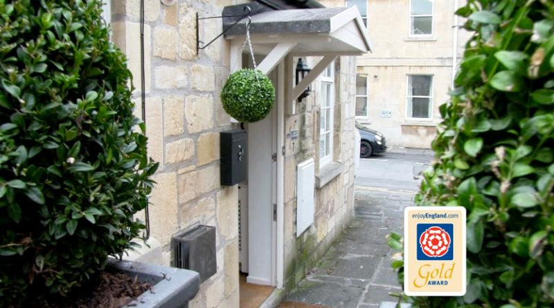 Four Star Gold Self Catering Holiday Apartment in Bath