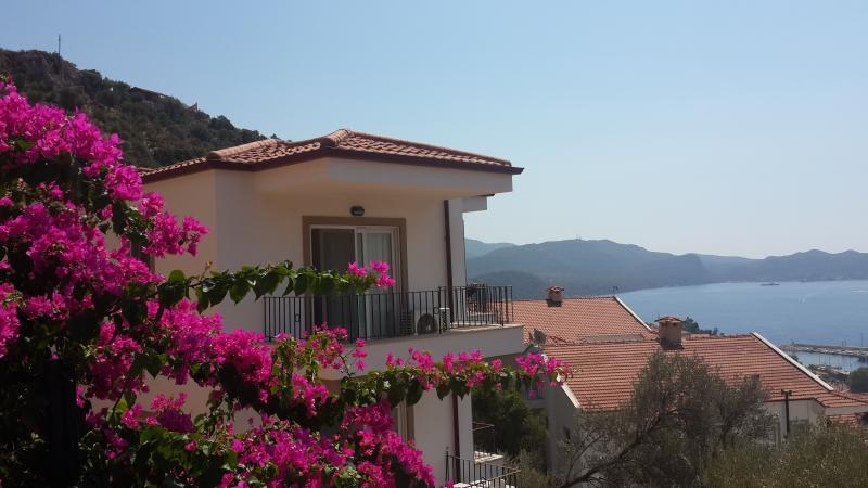 Kasinn Aparts , Kirmizi /Red   Apart / Apartment iwith full Kas bay view, location de vacances à KAS