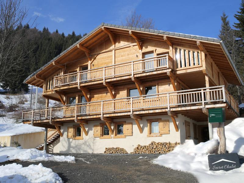 Awarded 'EXCELLENT LUXURY CHALET' 2017!, holiday rental in Samoens