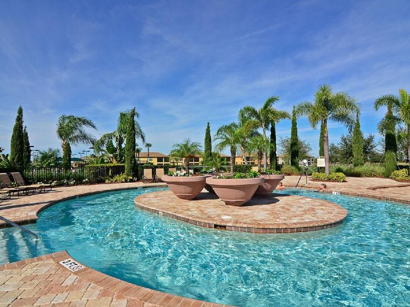 Penthouse Condo At Riverstrand Golf & Country Club, holiday rental in Bradenton