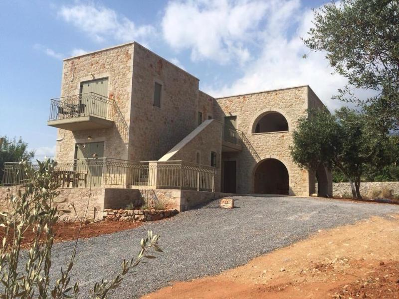 Orion Residence Mani, vacation rental in Agios Dimitrios