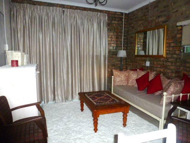 Bottle Blue Guest Apartment, holiday rental in Durbanville