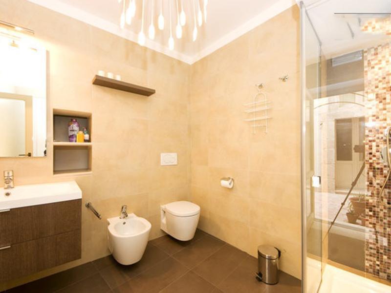 Casa Flora- kitchen + bathroom