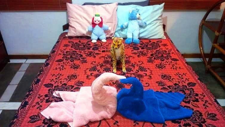 Dormitorio decorado para los huéspedes con niños