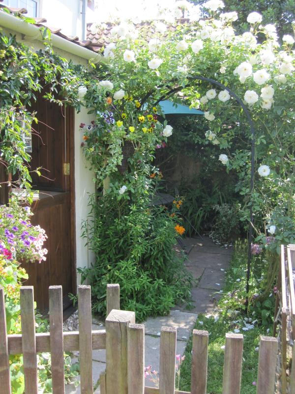 A cottage garden welcome