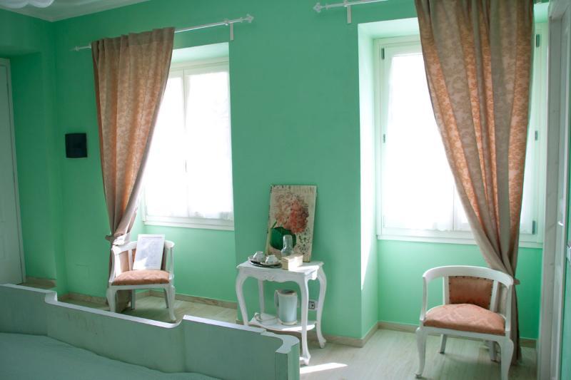 1 double room