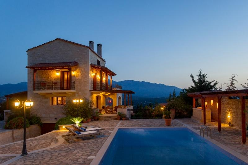 Villa Petramithia, alquiler vacacional en Plaka
