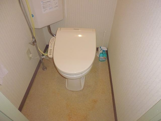 Separate Toilet with warm seat and automated washlet