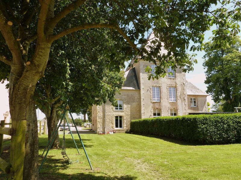Chateau Turgot, holiday rental in Vendeuvre