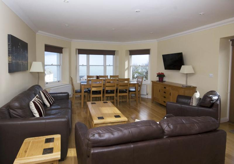 Cromwell Apartment, holiday rental in Bonchurch
