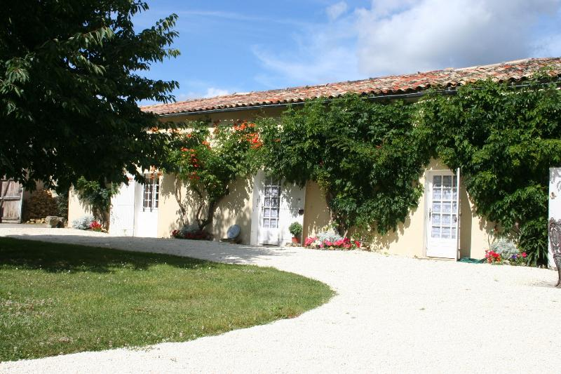 Le Manoir - The Gite - easy access to the front of the gite by car. Park right outside!