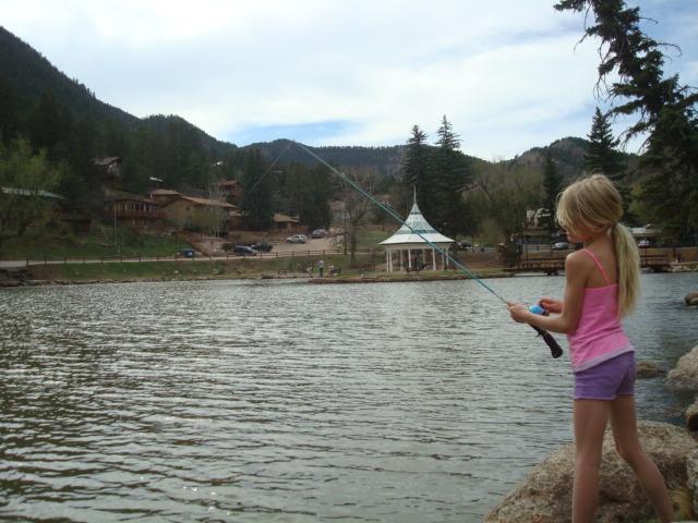 LITTLE MOUNTAIN lago es una milla de distancia