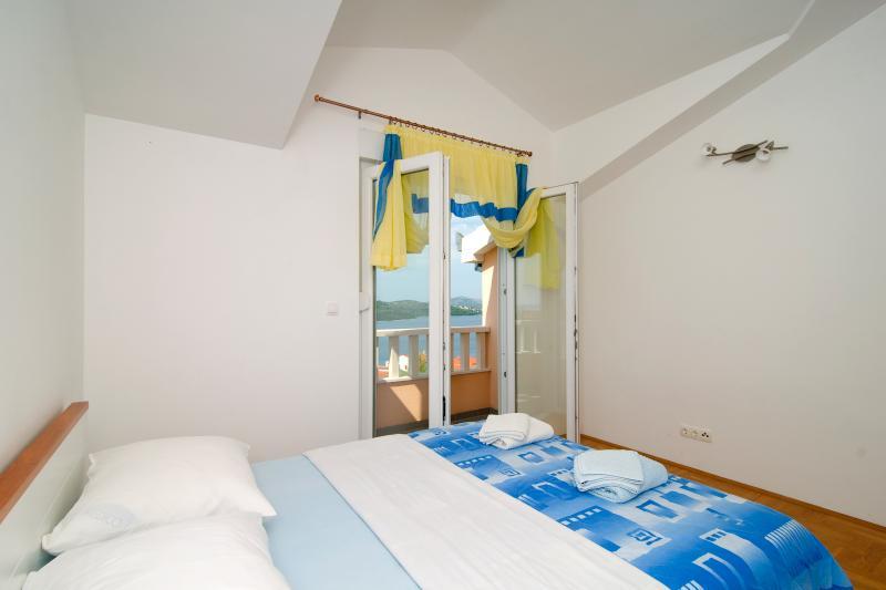 Chambre #2: lit Double - Air conditionné