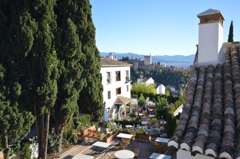 Carmen de las Campanas/cozy historical town house, vacation rental in Granada