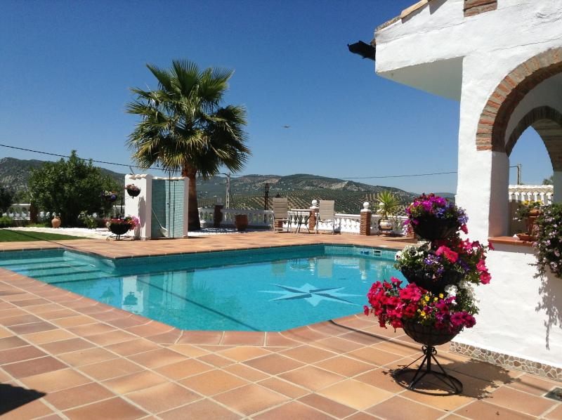Kayenne 1, Luxury 1 Bed Bungalow with a private roof terrace., holiday rental in Riofrio