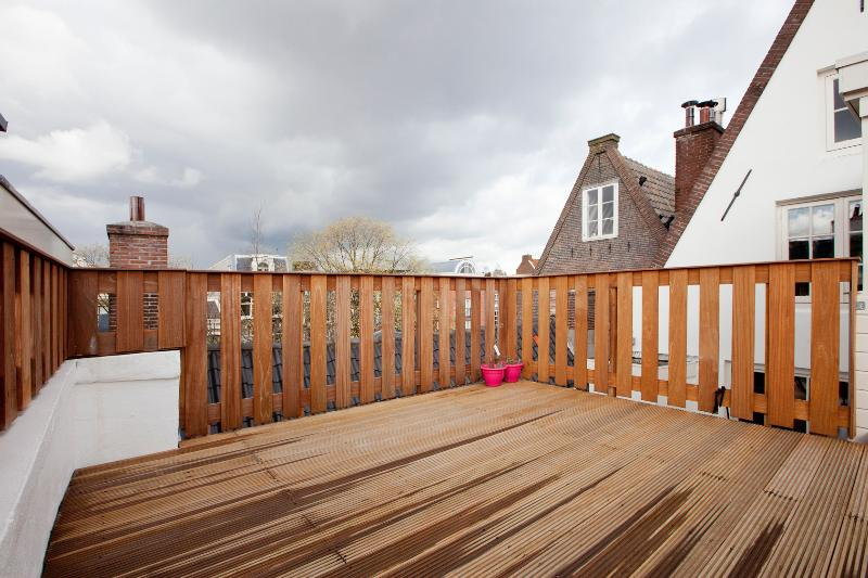 (Sólo uso) la terraza: alrededor de 16 m2