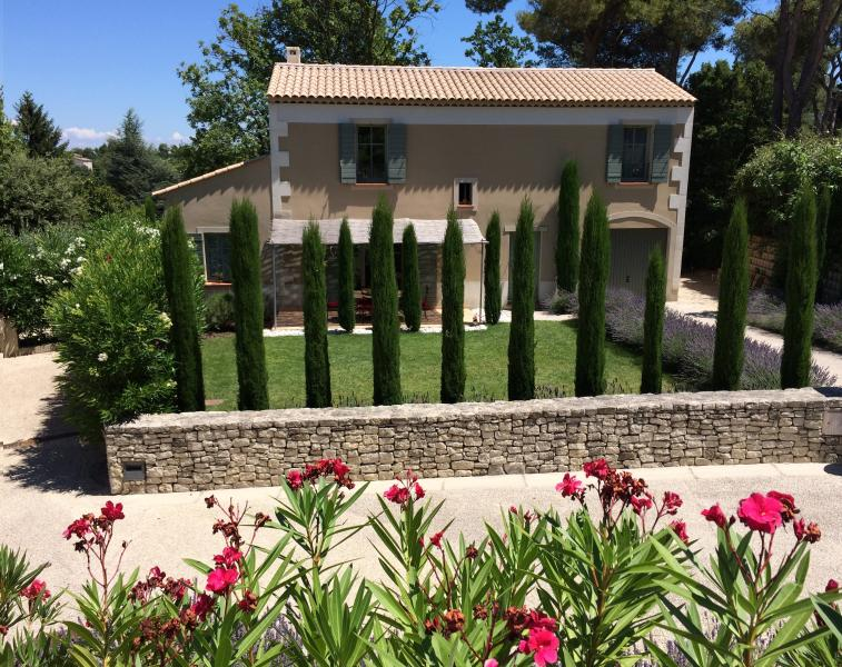 Peacful and quiet location with very well maintained garden and swimming pool