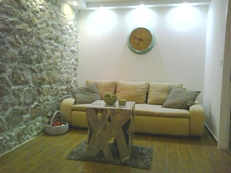 Laura 2BD apartment, holiday rental in Ugljan Island