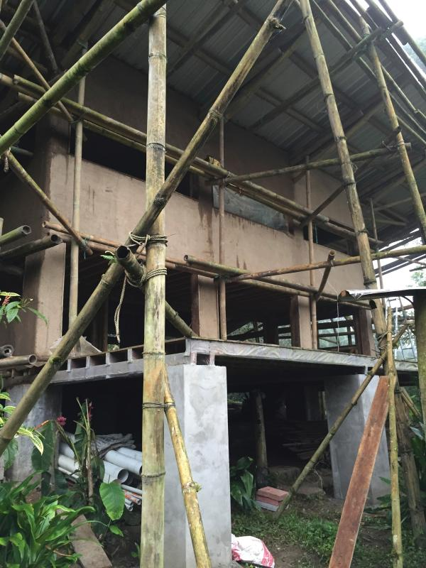 nieuwe bamboe en cob huis