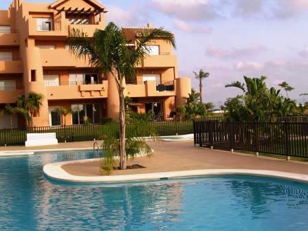 Large Frontline Golf Ground Floor Apartment, location de vacances à Torre-Pacheco