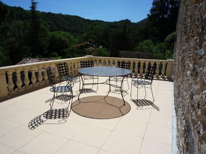 La Terrasse, vacation rental in Oms