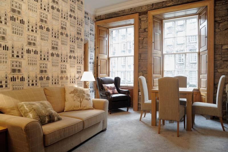 the livingroom edinburgh top of royal mile 1st floor luxurious 2 bedroom updated 2019 holiday rental in edinburgh 8348