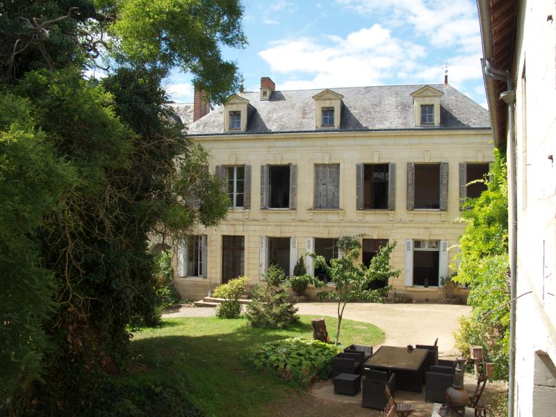 2 Bedroom B and B suite in the Loire Valley, holiday rental in La Chaussee