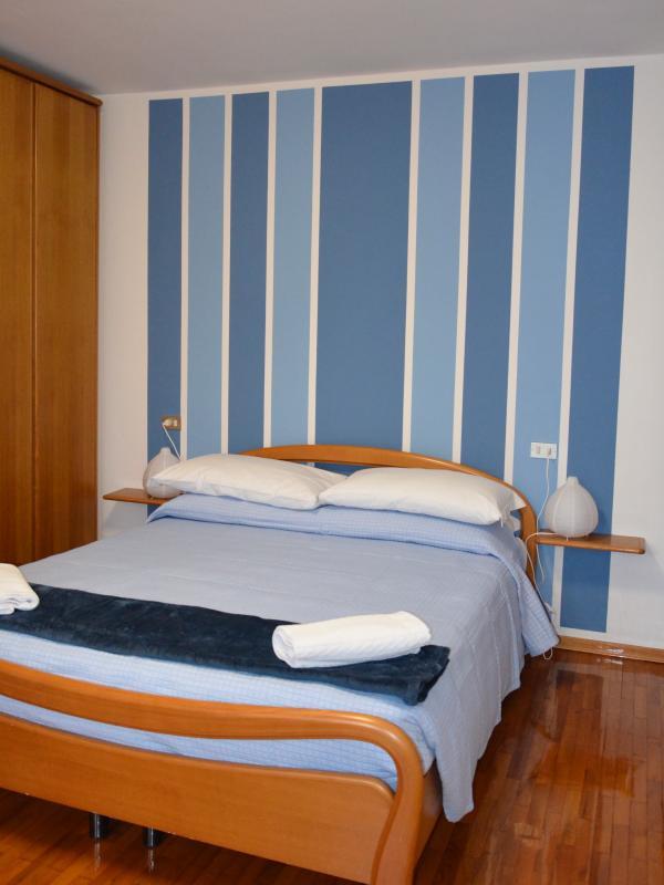 camera matrimoniale appartamento Ambra